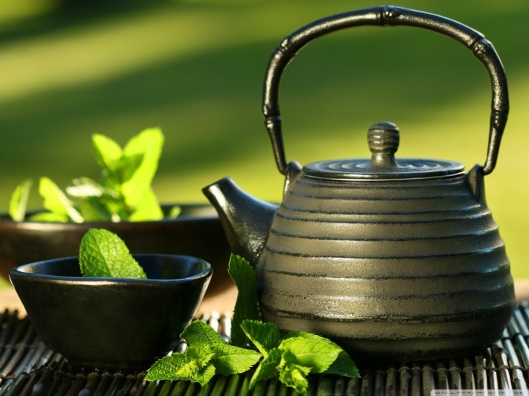 teapot_and_cups-wallpaper-1440x1080